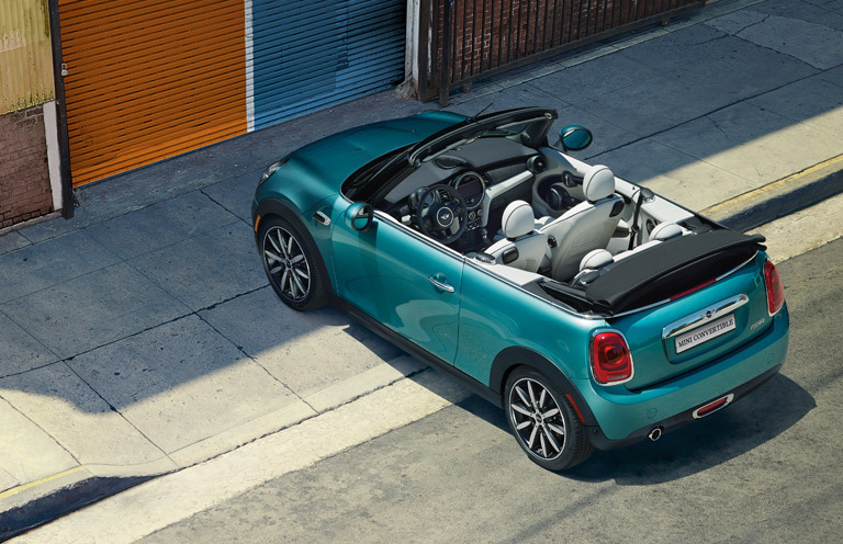 THE 2017 MINI CONVERTIBLE.